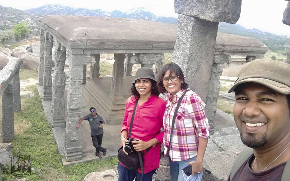 Paulmathi VInod,Vinod Sadhasivan,Gohila T,Anand Raman,Gingee fort selfie